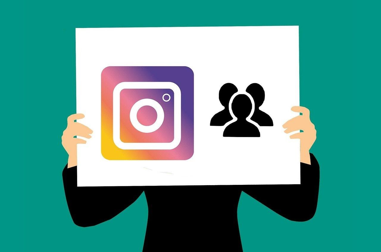 Buy instagram followers through a provider is the safest alternative.